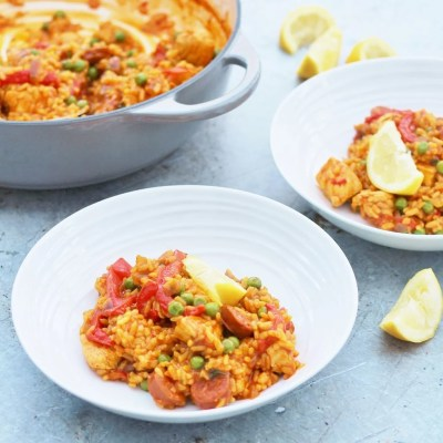 Easy One Pot Chicken and Chorizo Paella