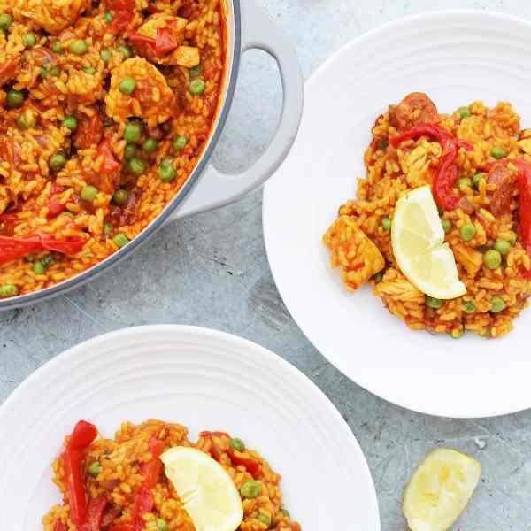 Easy One Pot Chicken and Chorizo Paella