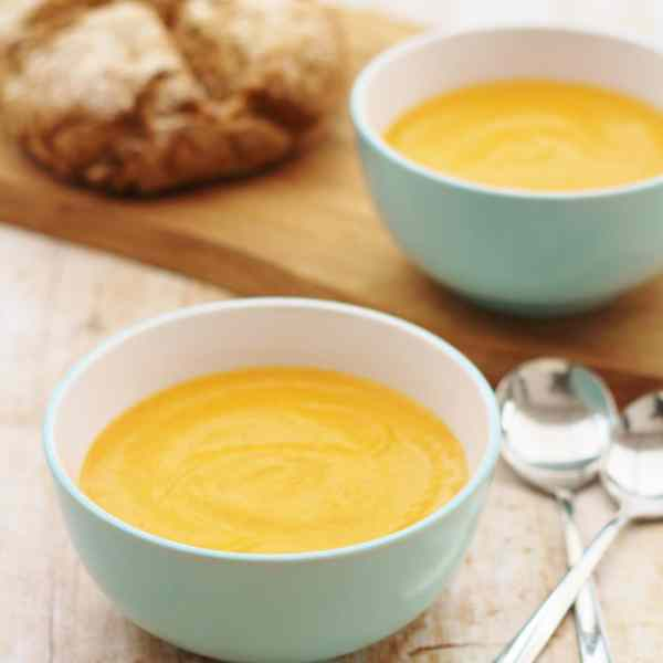 Creamy Tomato and Roasted Red Pepper Soup