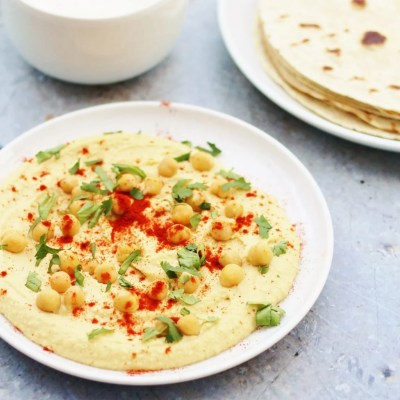 How to Make Perfect Homemade Hummus (Vegan)
