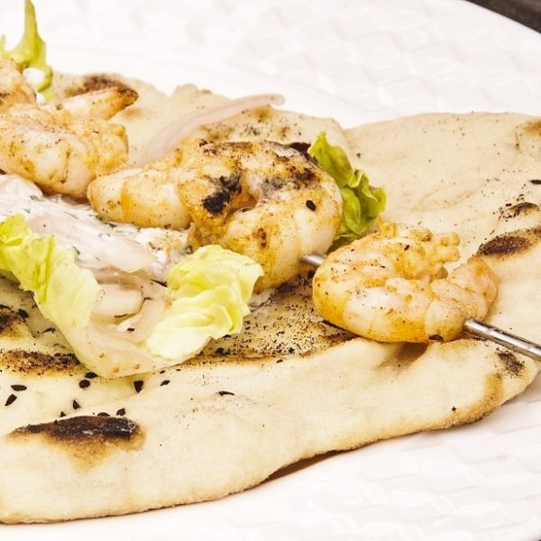 Tandoori Prawns with Flatbreads & Yogurt Dip