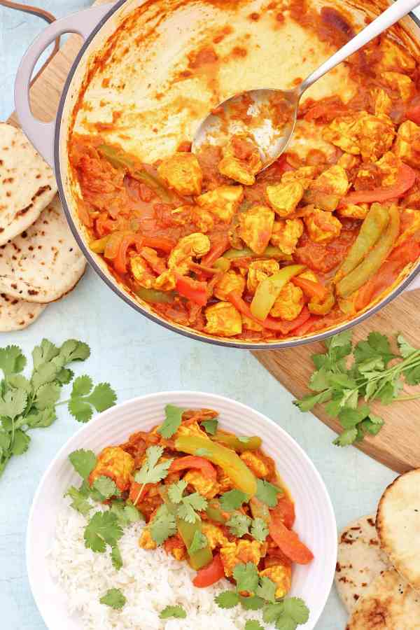 A quick and easy homemade version of a takeaway favourite, my Easy Chicken Jalfrezi can be cooked from scratch in under 30 minutes. It's dairy free, gluten free, nut free and pretty healthy too! #chicken #jalfrezi #chickencurry #under30mins #onepot #easydinners #fakeaway #easypeasyfoodie