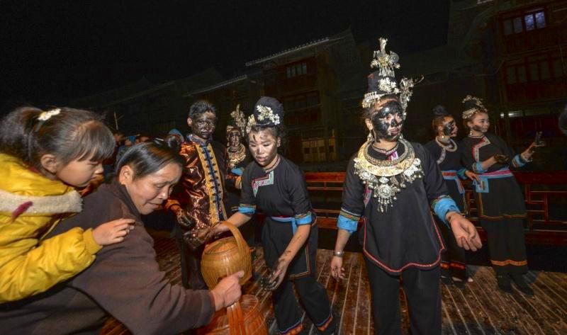 Dong festivals