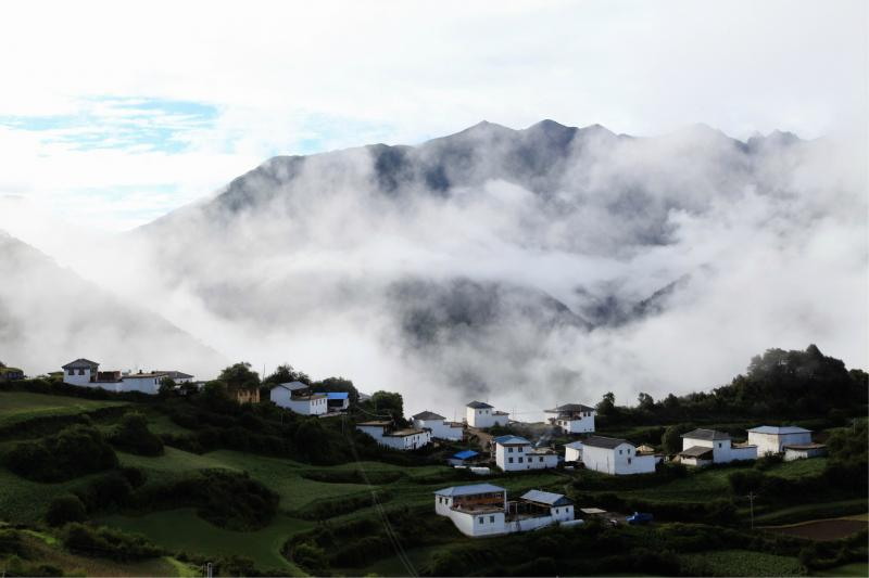 Metog Tibet hiking tour