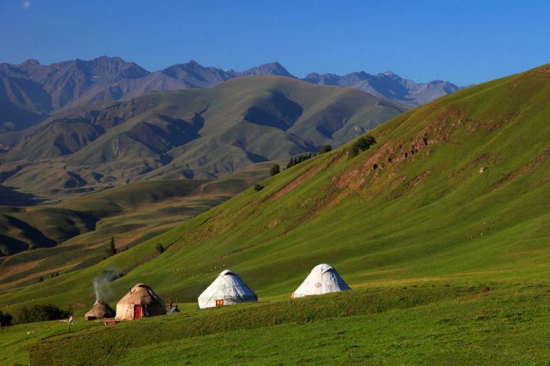 Tibet campin tours