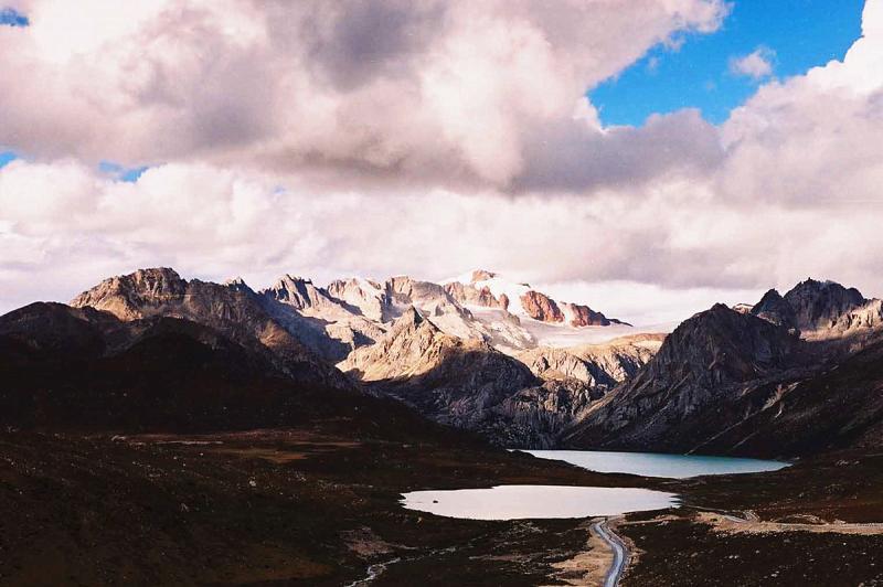 Mt. Zhari hiking tour