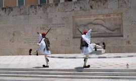 Atenas Grecia El Evzones Monumento Soldado Desconocido