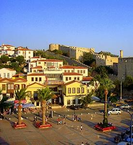 Cesme_Turkey_Typical_Mediterranean_houses