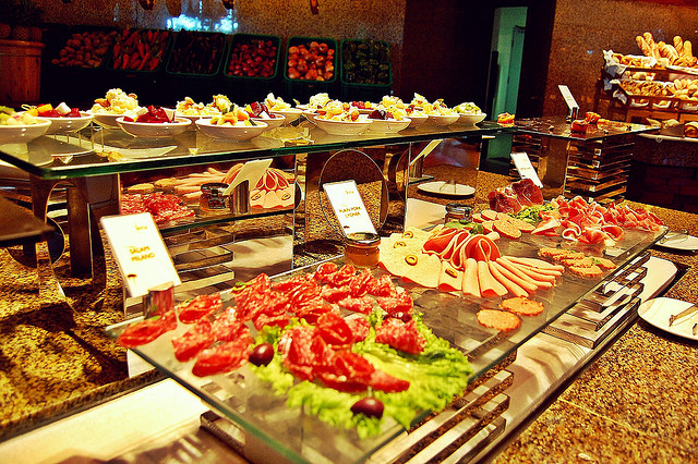 Best Eat All You Can In Cebu - Feria in Radisson Blu