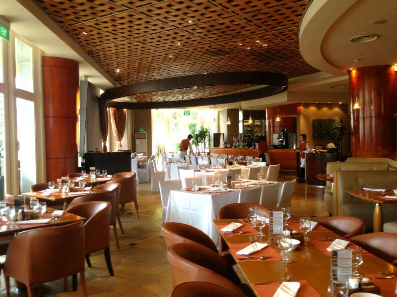 Town Restaurant Fullerton Hotel