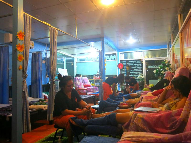 Krabi Ao Nang Apple Massage