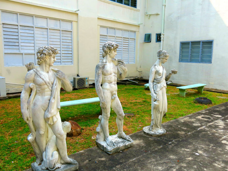 The Mama Shop Roman Statues