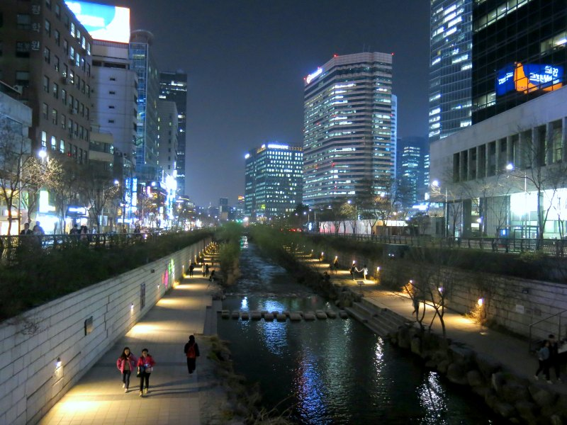 Cheonggyecheong Stream at night