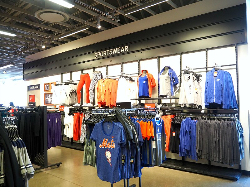 adidas outlet woodbury commons