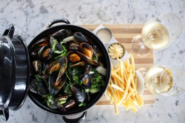 mussel pot perfect share den anker sonia cabano blog eatdrinkcapetown