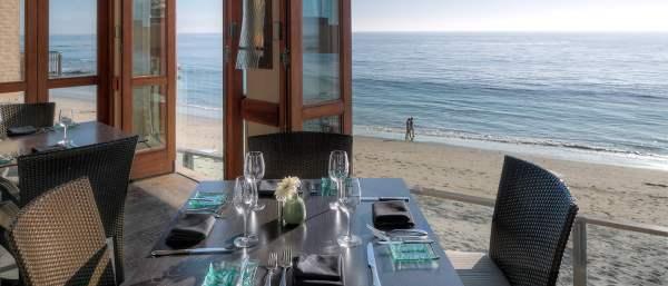 Dine_Splashes-Page_Secondary-Image-Seaside-Dining_Splashes-2