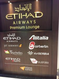 air-berlin-business-class-a330-200-ab-7495-auh-txl_etihad-premium-lounge-01