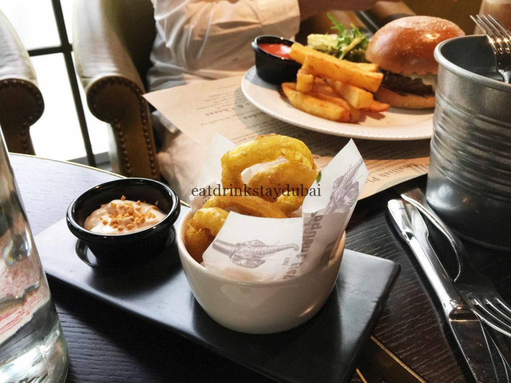the-eloquent-elephant-crunch-brunch-review_onion-rings