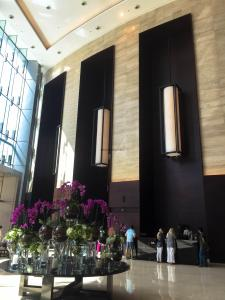 Hotel Review JW Marriott Marquis Dubai: lobby 2
