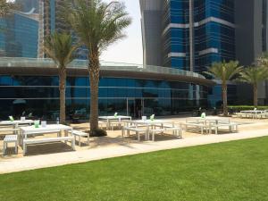 Hotel Review JW Marriott Marquis Dubai: Pool 6