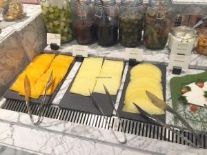seasonal-tastes-westin-dubai-ahc-breakfast-s_cheese-1