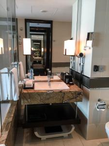 Steigenberger Hotel Dubai Review_bathroom 3