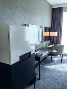 Steigenberger Hotel Dubai Review_bedroom 2