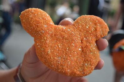 Disneyland Halloween Time 2017 Special Food - Disneyland Mint Julep Bar Dreamsicle Beignets 3