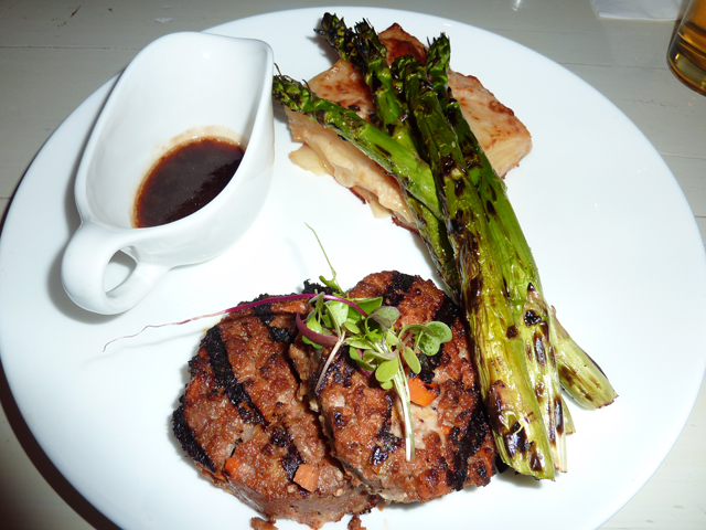 grilled meatloaf with red wine sauce, asparagus and potatoes gratin