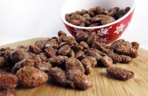Cinnamon Roasted Almonds   www.EatLaughPurr.com