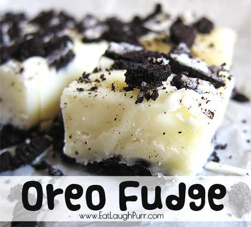 Oreo Fudge from www.EatLaughPurr.com #fudge #oreos