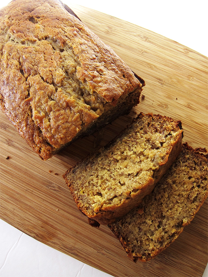 Super Moist Banana Bread. A package of instant pudding makes it extra special. www.EatLaughPurr.com