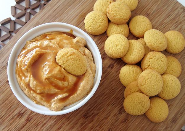Pumpkin Pie Dip | www.EatLaughPurr.com #dip #pumpkin #Thanksgiving