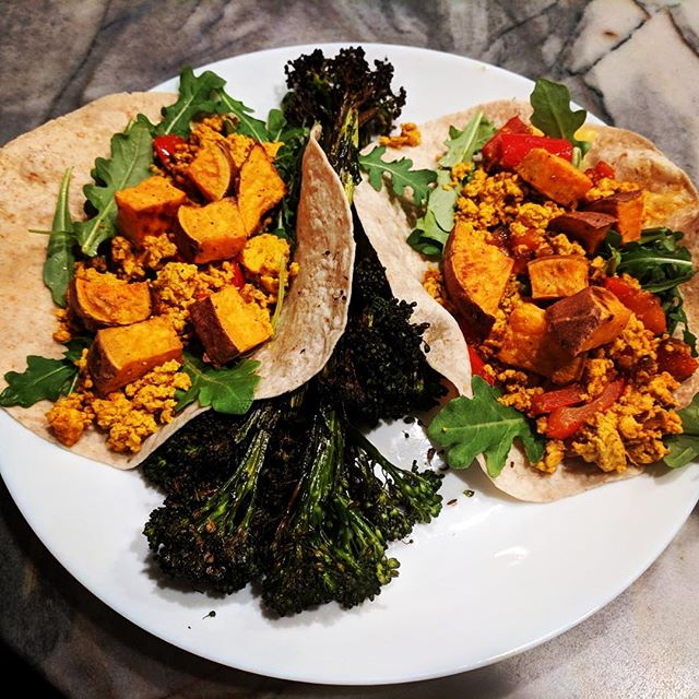We love when a client sends us a picture of dinner! Vegan tofu scramble tacosFlexible dieting is not just for meat lovers And remember it's important to get in all your micro nutrients as well! Hope everyone has a great week ahead! For performance and nutrition coaching DM us or follow the link in our bio and start now! #eatmorebefit #flexibledieting #flexibleeating #macros #realfood #nutrition #workout #sundayfunday #micronutrients #iffym #goals #body