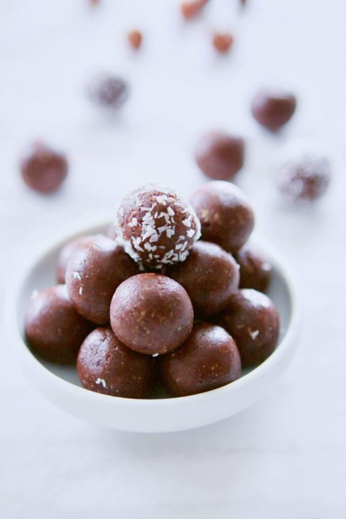 raw cacao hazelnut bites no bake dessert