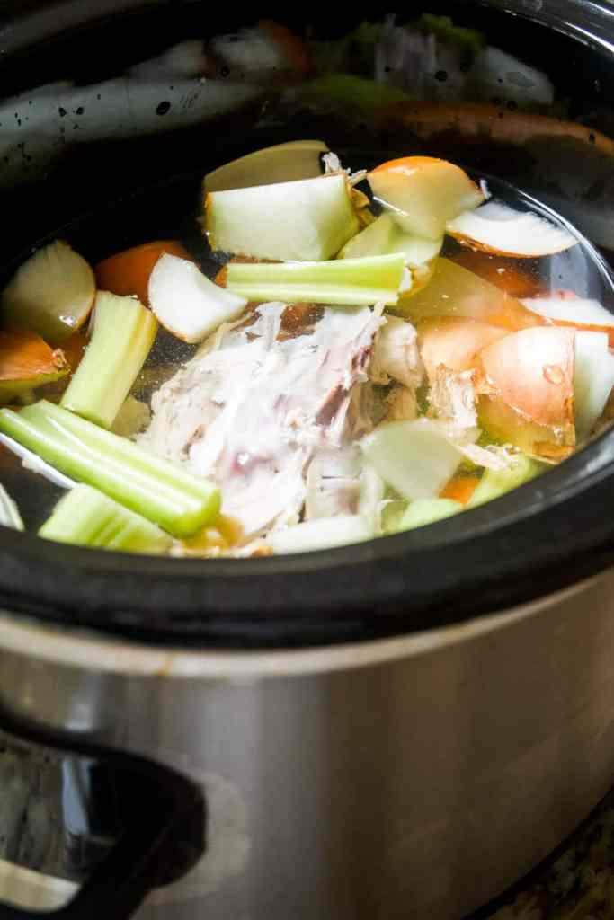 make easy chicken stock in a slow cooker