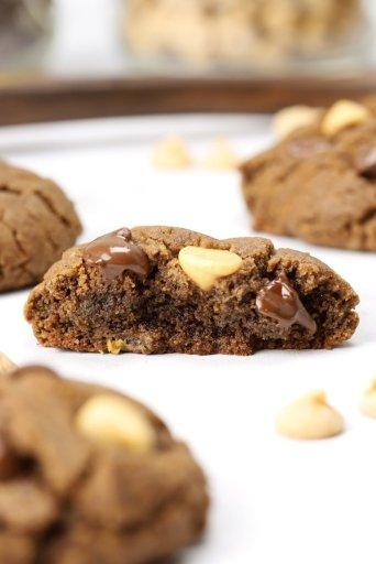 flourless chocolate peanut butter chip cookies