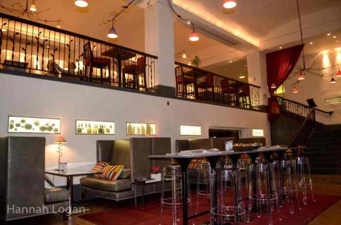 The cozy Cafe Bar Artefact