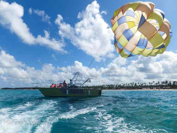 Parasail behind the speed boat