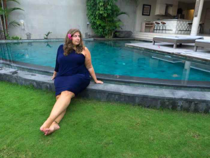 93b85c23084 The Best Travel Clothes for Curvy Women - Eat Sleep Breathe Travel