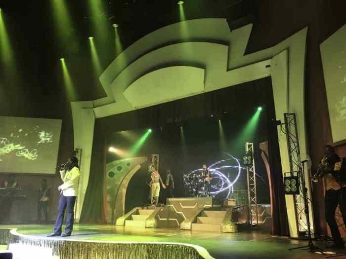 Iberostar Grand Rose Hall show