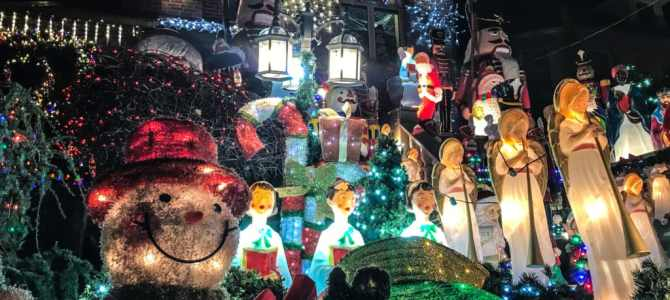 See the Best Christmas Lights in NYC with this Dyker Heights Christmas Lights Tour