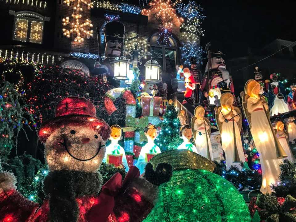 Dyker Heights Brooklyn Christmas Lights.See The Best Christmas Lights In Nyc With This Dyker Heights