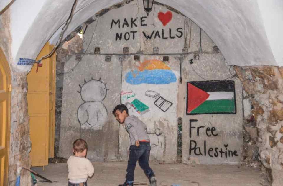 Make love not walls in Palestine