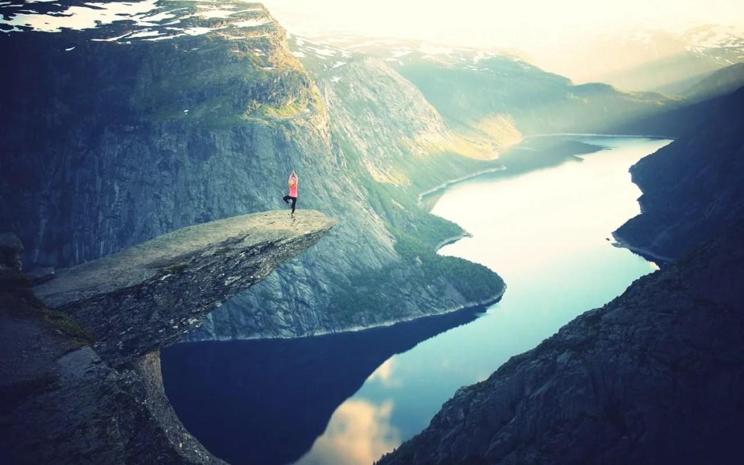 cliff_yoga