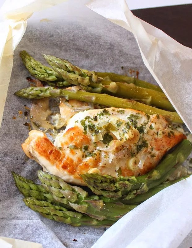 Chicken Amp Asparagus Foil Packets Recipe Eatwell101