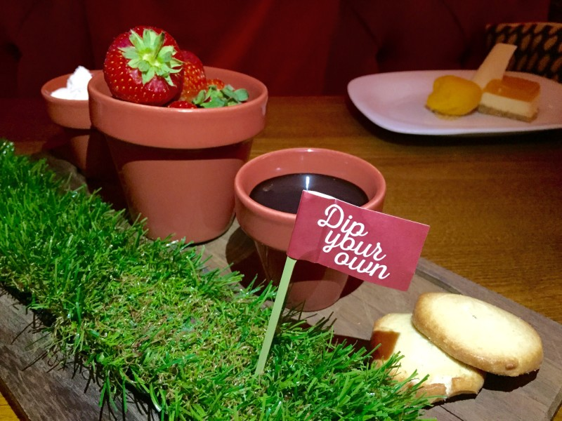 Delicious dip your own Strawberries at the Rose & Crown, Warwick