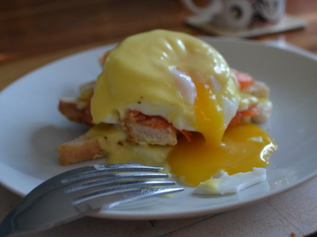 Runny Eggs Royale