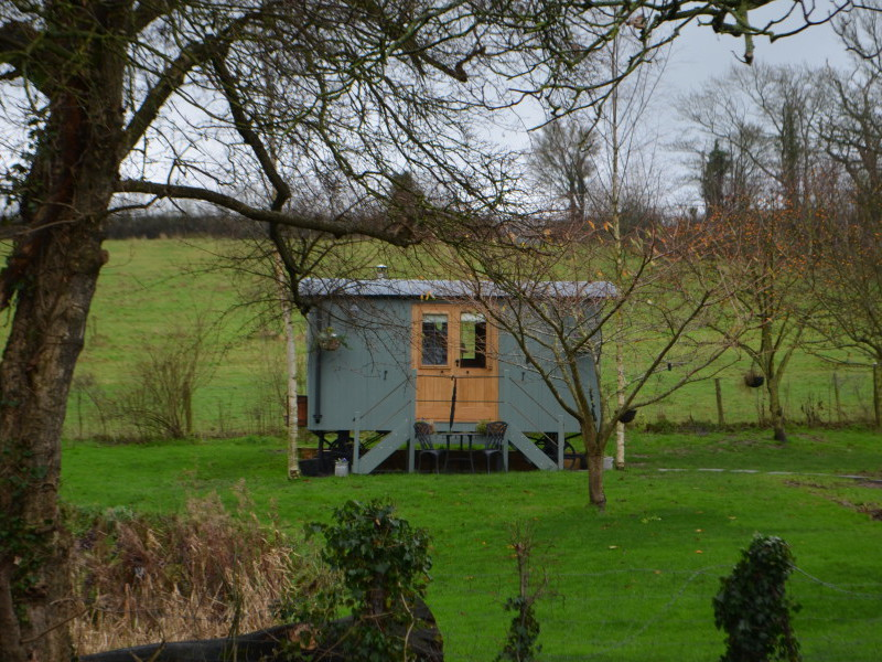 Lake Farm shepherds hut