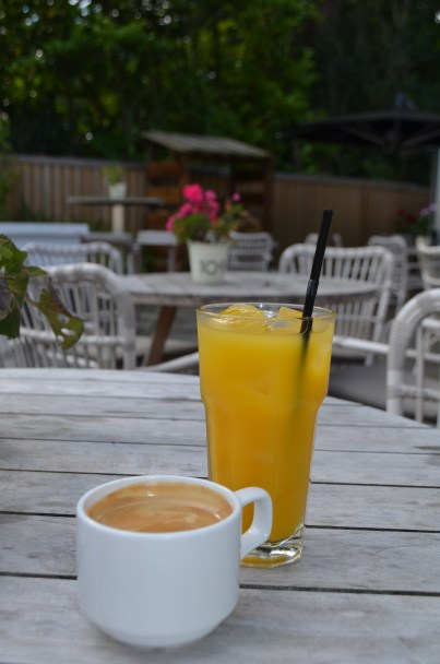 Coffee at the High Field, Edgbaston
